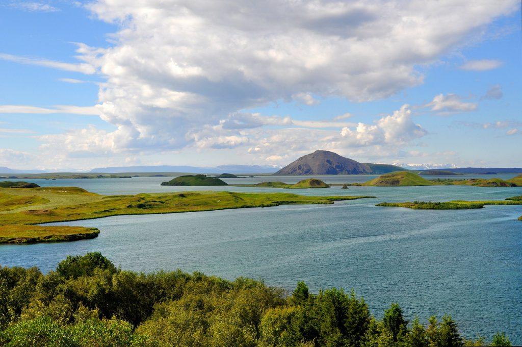 Der See Mývatn in Island