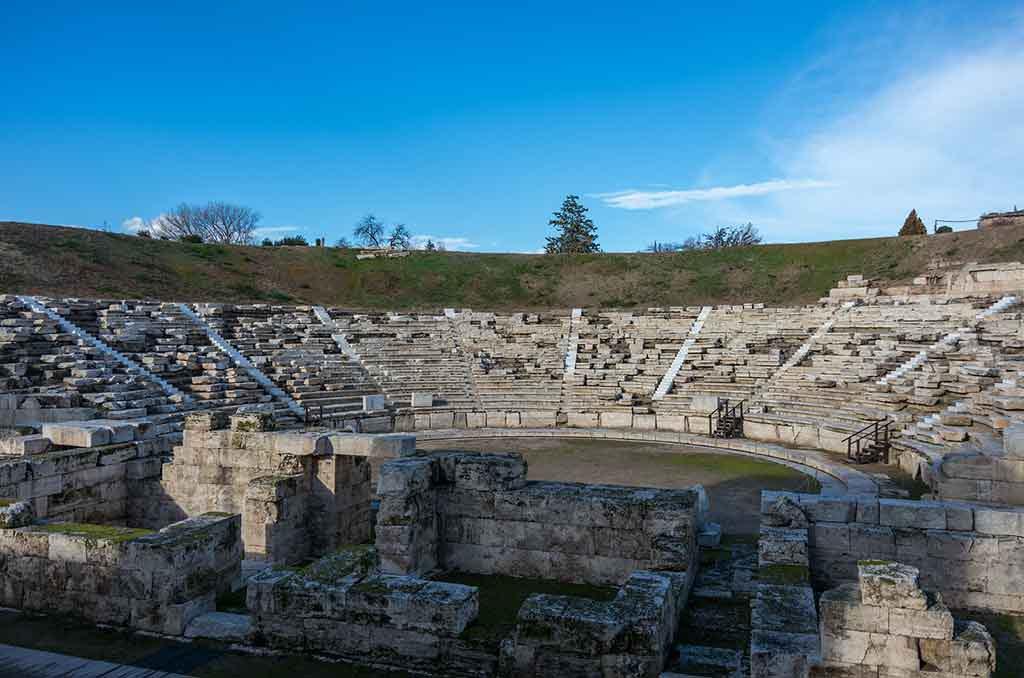 Das alte Amphitheater in der griechischen Stadt Larissa