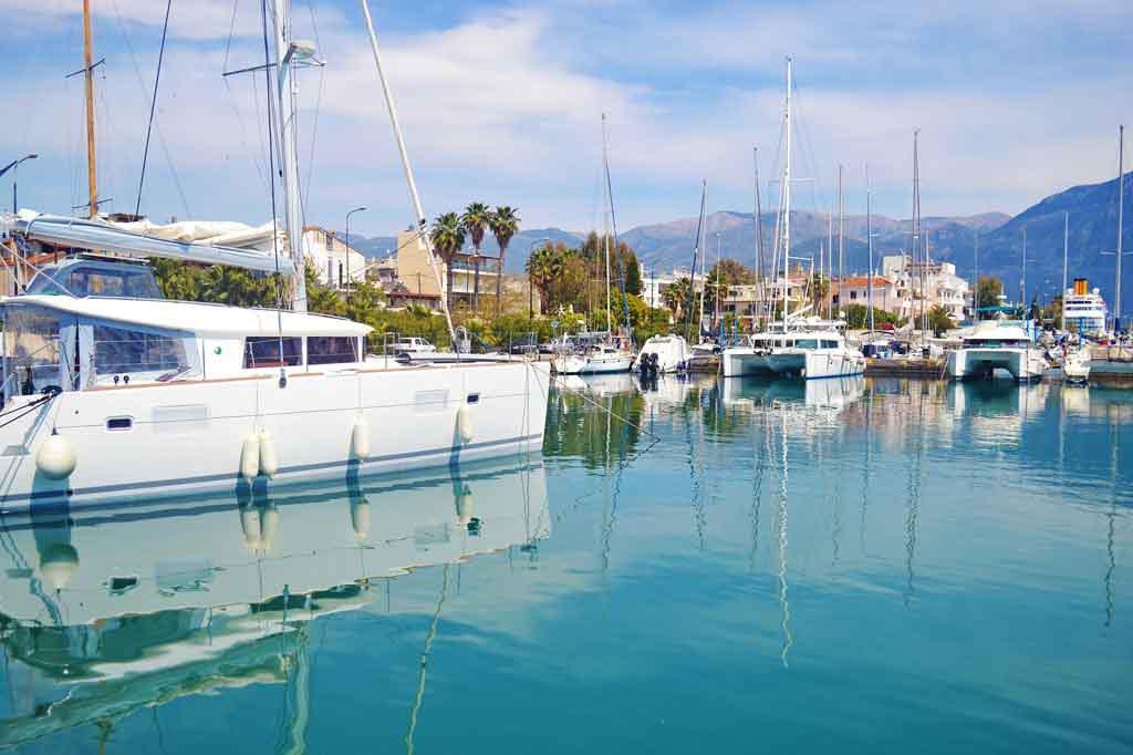 Küstenstadt auf der Halbinsel Peloponnes